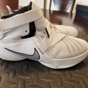 Nike Lebron Soldier 9 Basketball Shoes 776471 100